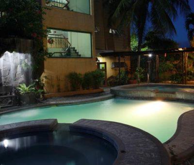 Quatro Pasos Pool